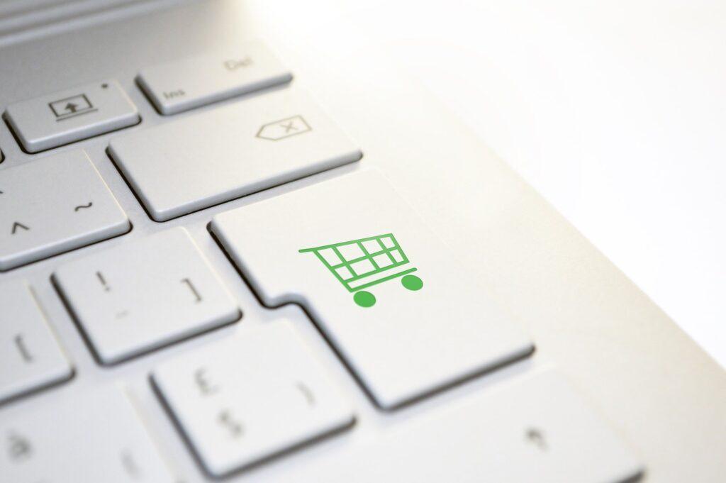 klawiatura z ikoną zakupów