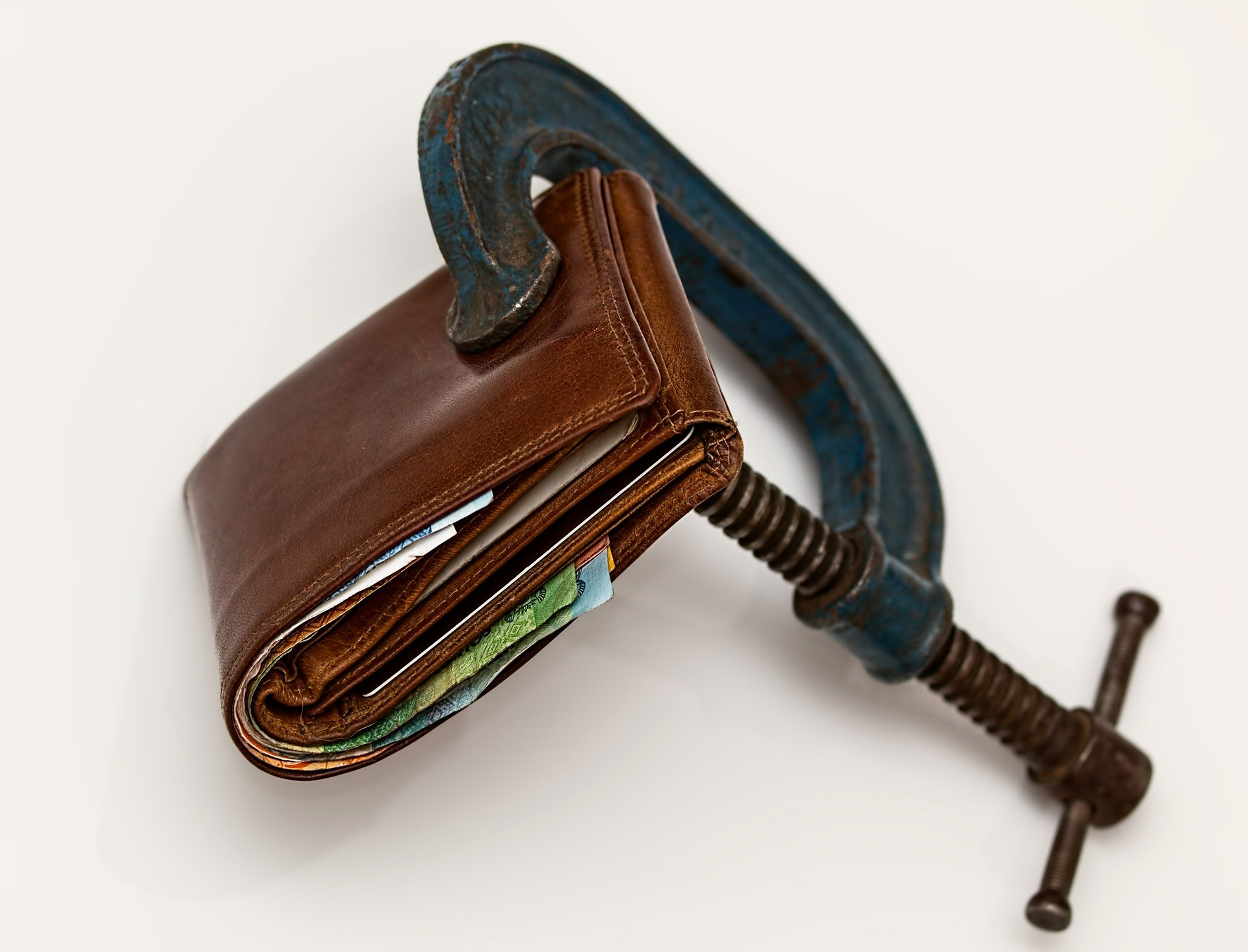 Spirala zadłużenia w pigułce. Sprawdź czym jest, jak z niej wyjść i co robić, aby w nią nie wpaść jeśli istnieje takie zagrożenie