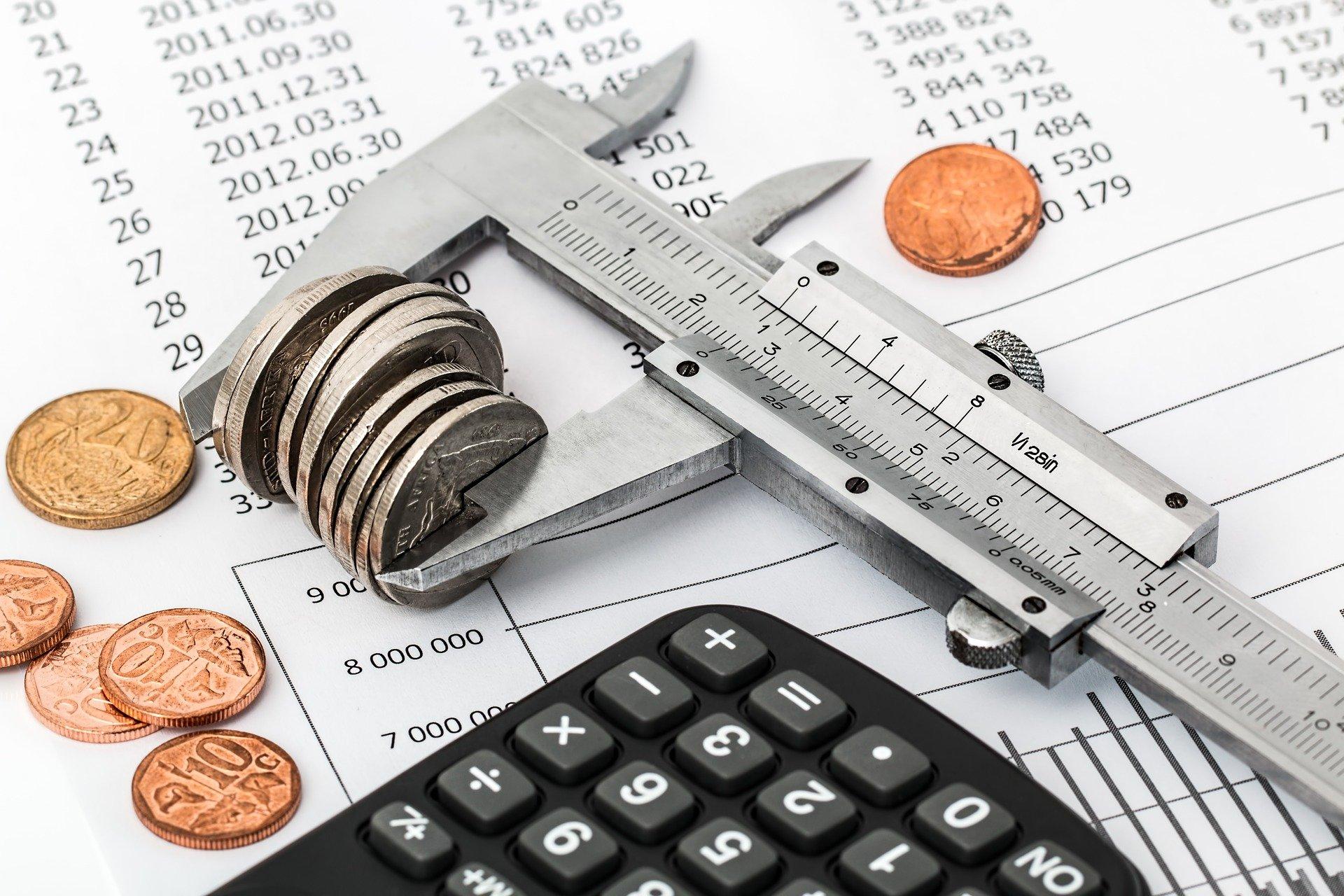 Poduszka finansowa – dowiedz się, czym jest rezerwa finansowa, dlaczego warto ją posiadać i jak ją stworzyć samodzielnie od zera